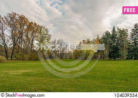 Free End Of The Golden Autumn Stock Images - 104039554