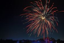 Free Fireworks Display Over Building Royalty Free Stock Photography - 104366987