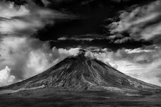 Free Gray Scale Photo Of Active Volcano Royalty Free Stock Images - 104569979