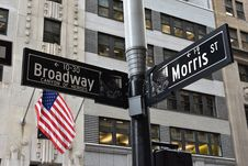 Free Grey And Black Broadway And Morris Street Signage Near U.s. Flag Royalty Free Stock Photos - 104635718