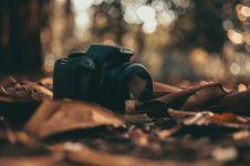 Free Canon DSLR Camera Stock Photo - 104712510