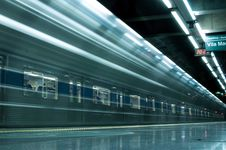Free Time Lapse Photography Of Train In Train Station Stock Photos - 104712953