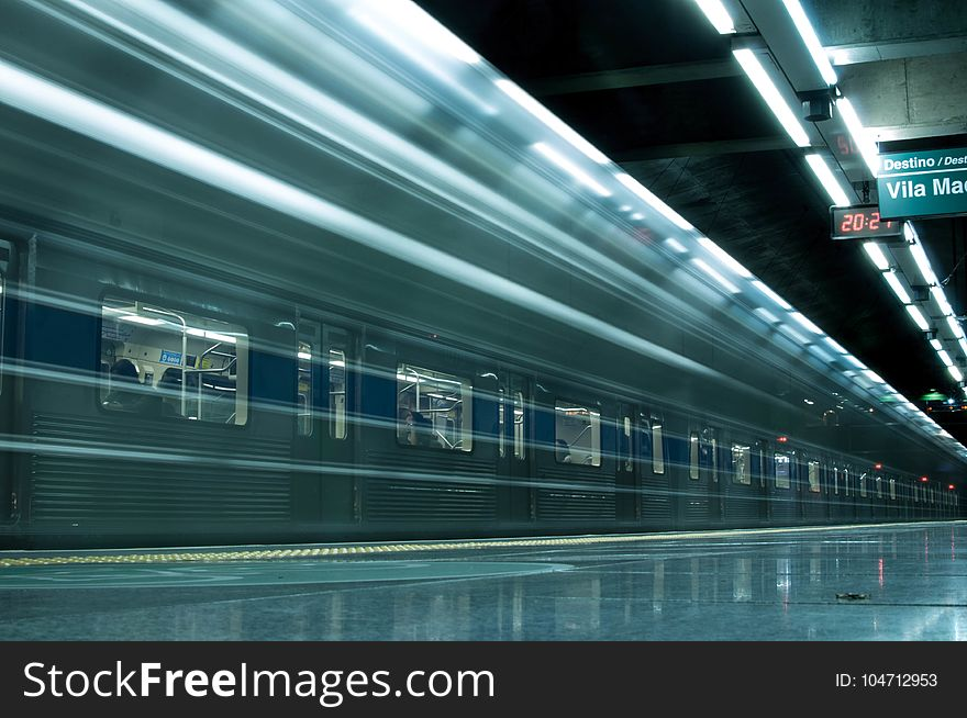 Our Time Lapse Photo Sequence Tulips Go >> Time Lapse Photography Of Train In Train Station Free Stock Images