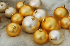 Free Christmas Balls On Reindeer Fur Coat Royalty Free Stock Images - 1050009