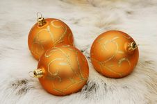 Free Decorated Golden Christmas Balls Royalty Free Stock Image - 1050016