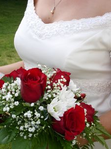 Free Wedding Bouquet And Bride S Bust Stock Photos - 1051013