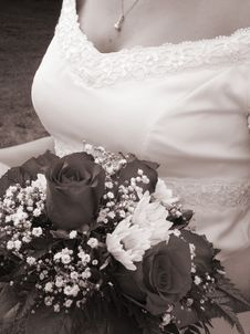 Free Wedding Bouquet And Bride S Bust In Sepia Stock Images - 1051014