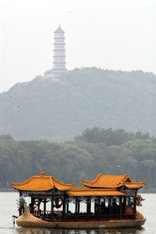 Free Dragon Boat Stock Photo - 1052770