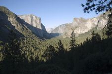 Free Yosemite Valley Royalty Free Stock Photos - 1056298