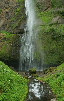 Free Waterfall, Columbia Gorge Royalty Free Stock Photography - 1057857
