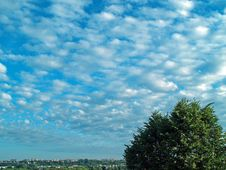 Free Early Morning Clouds Royalty Free Stock Photo - 1058815