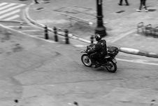 Free Action, Bike, Biker, Black-and-white Royalty Free Stock Photo - 105089645