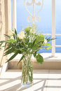 Free White Roses In A Glass Vase Royalty Free Stock Images - 10512079