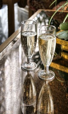 Free Champagne Glasses Stock Photos - 10543633