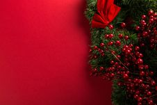 Free Red And Green Mistletoe Decoration Stock Photo - 105741850