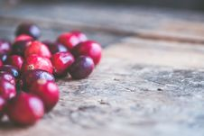 Free Close-up Photo Of Red Coffee Beans Royalty Free Stock Images - 105823779
