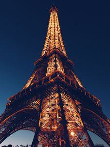 Free Low Angle Photo Of Eiffel Tower Royalty Free Stock Photos - 105823888
