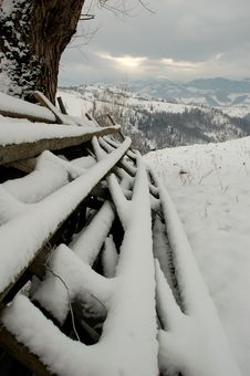 Free Fence In The Winter Royalty Free Stock Photos - 1065328