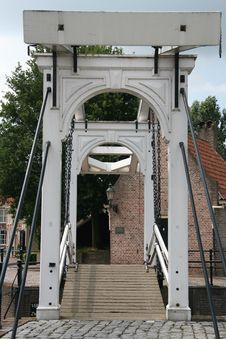 Free Monumental Bridge Royalty Free Stock Image - 1068196