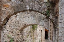 Free Roman Arches Royalty Free Stock Photo - 1068425