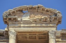 Free Celsius Library Pediment Royalty Free Stock Image - 1068996