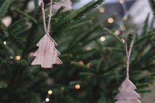 Free Christmas Ornaments On Christmas Tree Stock Photos - 106006173
