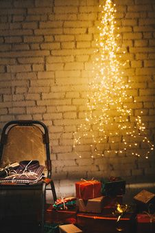 Free Christmas Presents On The Floor Royalty Free Stock Images - 106006209