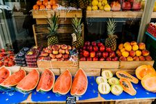 Free Sliced Fruit Stall Royalty Free Stock Photography - 106240417