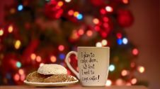Free Pastry Beside Ceramic Mug In Focus Shallow Photography Stock Photos - 106424293