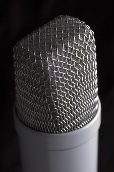 Free Low Key Microphone Black Background Royalty Free Stock Images - 1070229