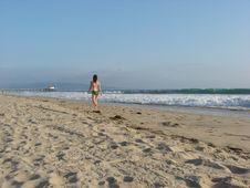 Free Lady On The Beach Royalty Free Stock Photos - 1070608