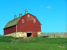Free Red Barn Stock Photo - 1074010