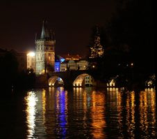 Free Prague Castle At Night Royalty Free Stock Photography - 1075997