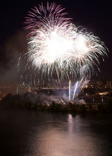 Free Fireworks In Montreal Stock Images - 10729724