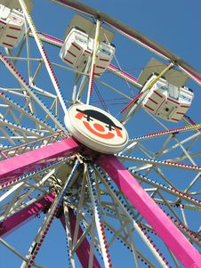 Free Ferris Wheel Royalty Free Stock Photo - 1082035