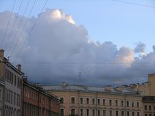 Free Clouds On Canal Gribojedova In Saint-Petersburg Stock Photo - 1085780