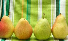 Free Pears Royalty Free Stock Photos - 1088238