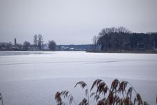 Free View Of The Frozen River And Shore Stock Images - 108008954