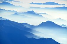 Free Aerial View Of Mountain Stock Photography - 108798622