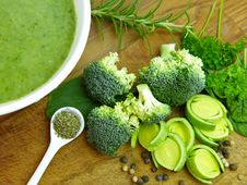 Free Broccoli, Vegetable, Vegetarian Food, Leaf Vegetable Stock Image - 108957911