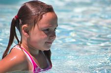 Free Little Swimmer Concentrating Royalty Free Stock Photo - 1090195