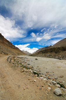 Free Road To Everest Royalty Free Stock Photo - 1091815