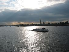 Free Neva River, Evening Royalty Free Stock Photos - 1092618