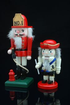 Free Pair Of Nutcrackers Stock Images - 1097554