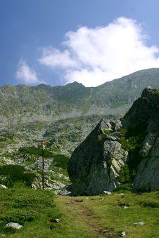 Free Mountain Trail Royalty Free Stock Photos - 1098068