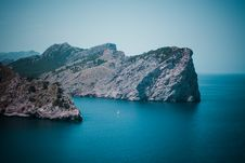 Free Photo Of Gray Island During Daylight Stock Photos - 109434113