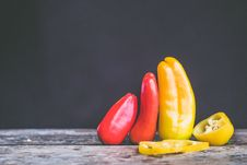 Free Red And Yellow Chili Royalty Free Stock Photo - 109516385