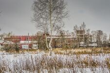 Free Old Factory In The Winter Royalty Free Stock Photos - 109585878