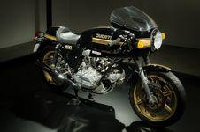 Free Bike, Chrome, Design Royalty Free Stock Photography - 109883837