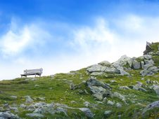 Free White Wooden Bench In Mountain During Daytime Stock Image - 109885411
